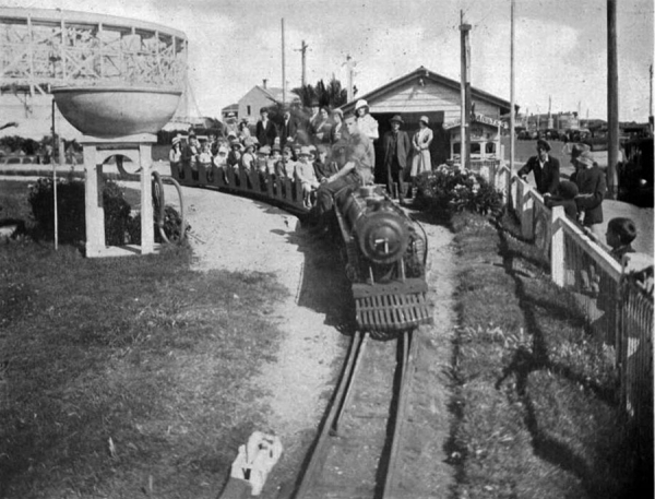 Miniature railway at rear of Palais Theatre